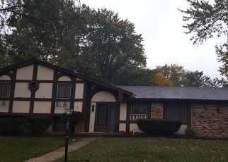Pre Foreclosure in South Bend 46614 YORK RD - Property ID: 1354945870