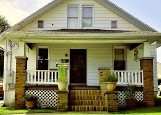 Pre Foreclosure in Chester 62233 VAN ZANT ST - Property ID: 1355083832