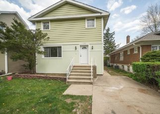 Pre Foreclosure in Joliet 60435 N RAYNOR AVE - Property ID: 1355105728