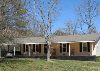 Pre Foreclosure in Chatsworth 30705 WOODLAKE DR - Property ID: 1355221794