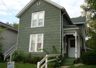 Pre Foreclosure in Janesville 53548 N WASHINGTON ST - Property ID: 1356008831