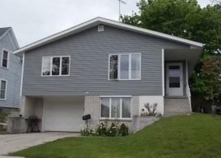 Pre Foreclosure in Manitowoc 54220 S 22ND ST - Property ID: 1356034220