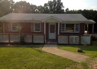 Pre Foreclosure in Buckingham 23921 W JAMES ANDERSON HWY - Property ID: 1356267675