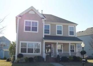 Pre Foreclosure in Hampton 23669 ELIZABETH RD - Property ID: 1356272487