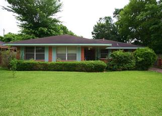 Pre Foreclosure in Houston 77087 HIRONDEL ST - Property ID: 1356614546