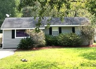 Pre Foreclosure in Slidell 70460 MAPLEWOOD DR - Property ID: 1357531663