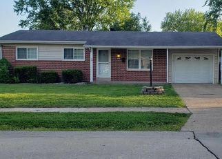 Pre Foreclosure in Hazelwood 63042 CANDLE LIGHT LN - Property ID: 1357548749
