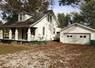 Pre Foreclosure in Freeburg 62243 S WALNUT ST - Property ID: 1357560568