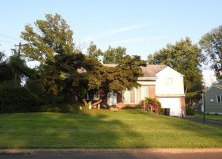 Pre Foreclosure in Warminster 18974 COLONIAL DR - Property ID: 1358120743