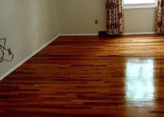 Pre Foreclosure in Cincinnati 45240 WAYCROSS RD - Property ID: 1358411551