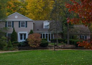Pre Foreclosure in Chagrin Falls 44023 LUCERNE DR - Property ID: 1358467612