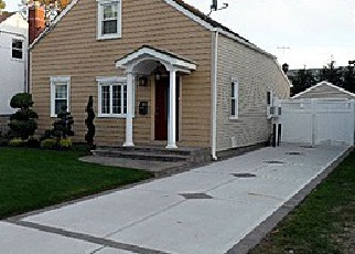 Pre Foreclosure in Valley Stream 11581 SHINE PL - Property ID: 1358828501