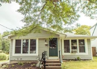 Pre Foreclosure in Buffalo 14224 WALNUT RD - Property ID: 1359014194