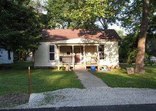 Pre Foreclosure in Pleasant Hill 64080 WALNUT ST - Property ID: 1359276551