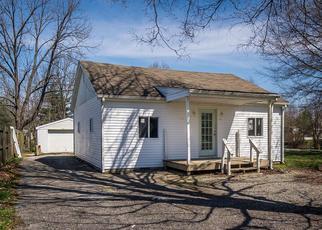 Pre Foreclosure in Louisville 40272 ELIZABETH AVE - Property ID: 1360123147