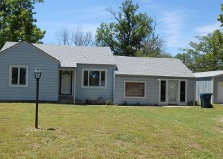 Pre Foreclosure in Hutchinson 67502 N HALSTEAD ST - Property ID: 1360170903