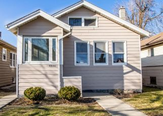 Pre Foreclosure in Chicago 60641 W WARWICK AVE - Property ID: 1360387247