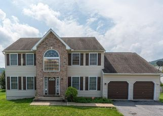 Pre Foreclosure in Reading 19608 SHELLY DR - Property ID: 1361511529