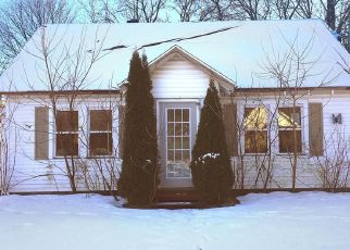Pre Foreclosure in Gloversville 12078 2ND AVE - Property ID: 1362100606