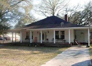 Pre Foreclosure in Yemassee 29945 YEMASSEE HWY - Property ID: 1362728664