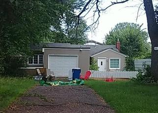 Pre Foreclosure in Saint Paul 55112 9TH AVE NW - Property ID: 1364034256