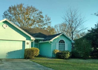 Pre Foreclosure in Jacksonville 32221 CASTLE ROCK DR - Property ID: 1364400403