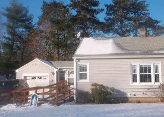 Pre Foreclosure in East Longmeadow 01028 MAPLE ST - Property ID: 1364611961
