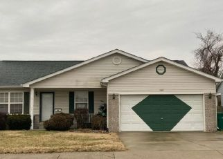 Pre Foreclosure in East Saint Louis 62207 DR MR LEMONS BLVD - Property ID: 1366119452