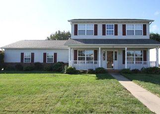 Pre Foreclosure in Smithton 62285 SUBURBAN DR - Property ID: 1366133917