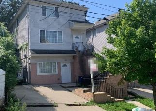 Pre Foreclosure in Staten Island 10301 WINTER AVE - Property ID: 1366144415