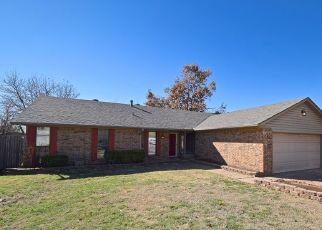 Pre Foreclosure in Edmond 73012 HUNTERS GLEN CIR - Property ID: 1366600347