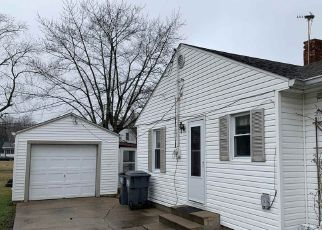 Pre Foreclosure in Anderson 46013 BURTON PL - Property ID: 1367694856