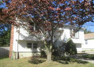 Pre Foreclosure in Cranston 02920 LARK AVE - Property ID: 1368772709
