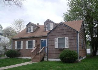 Pre Foreclosure in Bridgeport 06610 NUTMEG CIR - Property ID: 1369377995