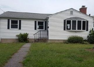 Pre Foreclosure in Chicopee 01020 SUNNYMEADE AVE - Property ID: 1369516379