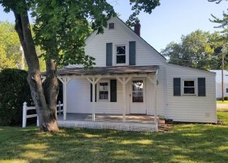 Pre Foreclosure in Canaan 04924 TOBEY RD - Property ID: 1370469408