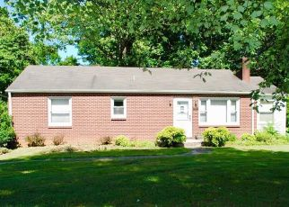 Pre Foreclosure in Winston Salem 27106 MURRAY RD - Property ID: 1371294105