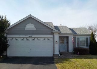 Pre Foreclosure in Aurora 60506 GOLDEN OAKS PKWY - Property ID: 1371859542