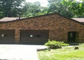 Pre Foreclosure in Sugar Grove 60554 FAYS LN - Property ID: 1371899396