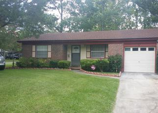 Pre Foreclosure in Jacksonville 32210 JADE DR W - Property ID: 1371983488