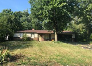 Pre Foreclosure in Indianapolis 46221 W MURRAY ST - Property ID: 1372098232