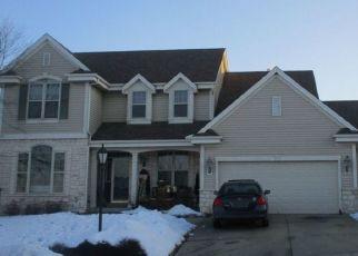 Pre Foreclosure in Waukesha 53189 HUNTER RD - Property ID: 1372826589