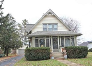Pre Foreclosure in Mukwonago 53149 LINCOLN AVE - Property ID: 1372860308