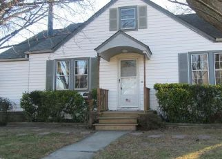 Pre Foreclosure in Norfolk 23503 OCELLA AVE - Property ID: 1373331124