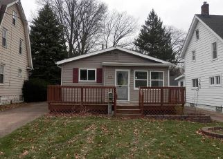 Pre Foreclosure in Cuyahoga Falls 44221 8TH ST - Property ID: 1374065618