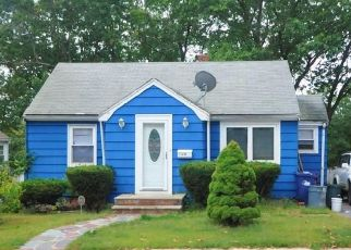 Pre Foreclosure in Hyde Park 02136 BATEMAN ST - Property ID: 1374120812