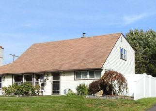 Pre Foreclosure in Levittown 19056 TWIN OAK DR - Property ID: 1374979674