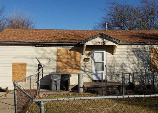 Pre Foreclosure in Lawton 73507 NW LINDY AVE - Property ID: 1375301580