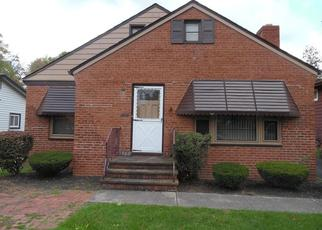 Pre Foreclosure in Cleveland 44121 WRENFORD RD - Property ID: 1375598529