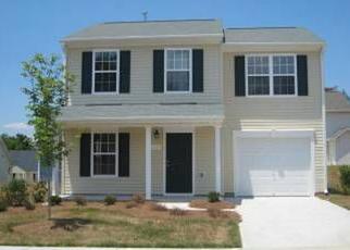 Pre Foreclosure in Greensboro 27405 SUNRISE VALLEY DR - Property ID: 1375747883